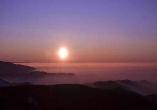 Fond d 39 cran soleil sur nuages et forets couchers de soleil - Coup de soleil en anglais ...